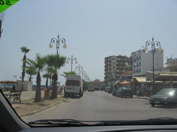 Ларнака. Финикидес - променад в центре города