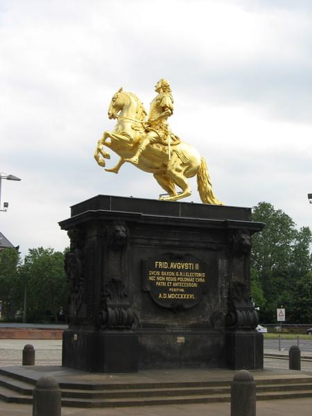 «Золотой всадник» - памятник Фридриху Августу II Сильному