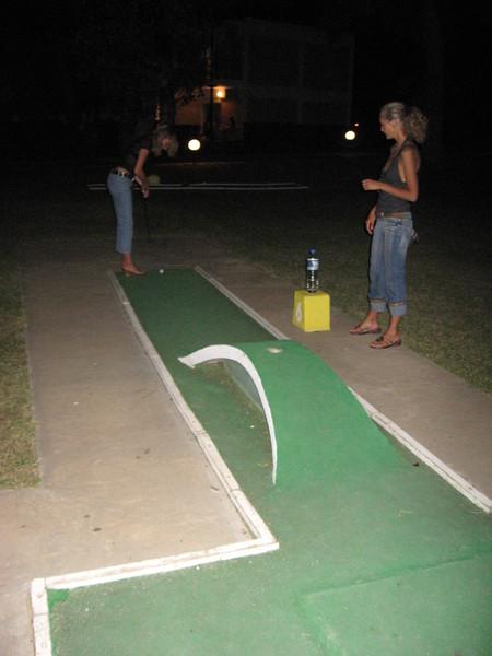 А еще в отеле была площадка для мини-гольфа... бесплатная...