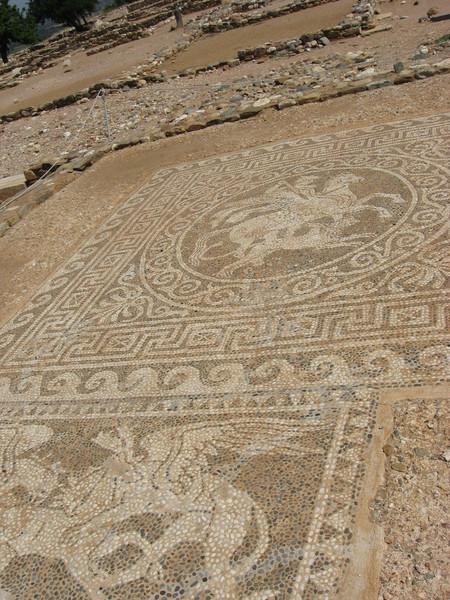 Напольные мозаики Олинфа - древнейшие из найденых эллинистических мозаик