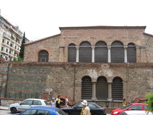 Храм Ахиропиитос («Нерукотворный») был построен в V в н.э. на фундаменте римских бань