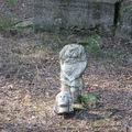 У храма Деметра. Статуя на самом деле маленькая - не более метра высотой