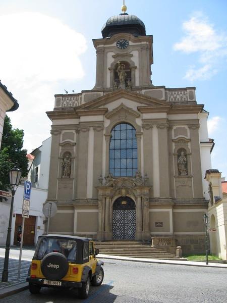 Градчаны. Военная церковь Св. Яна Непомуцкого