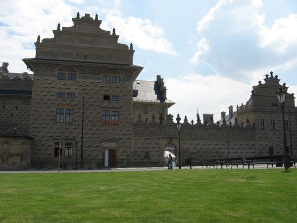 Этот дворец и это сграфито вы уже видели