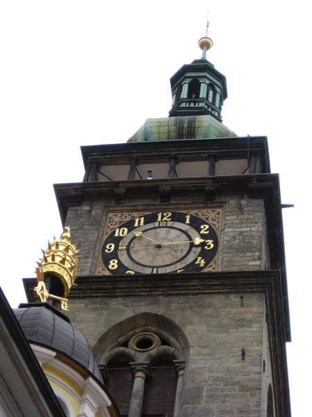 Рядом с Белой башней находится капелла Святого Климента,<br /> украшенная золотым ключом и Папской тиарой в честь того же Иоанна Павла II