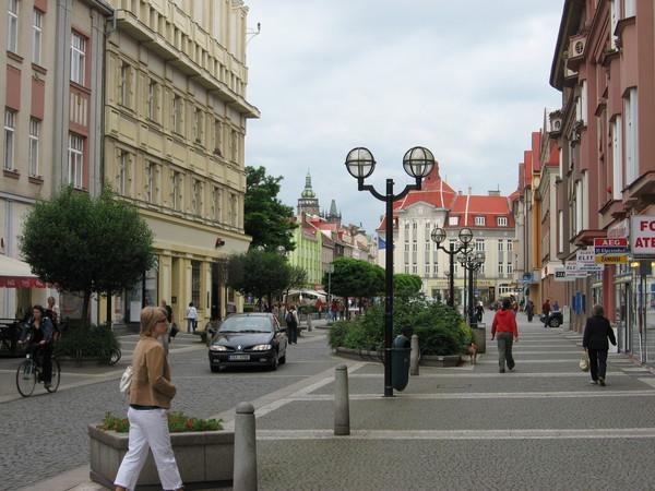 Отсутствие толп туристов положительно сказывается на чистоте и уюте города