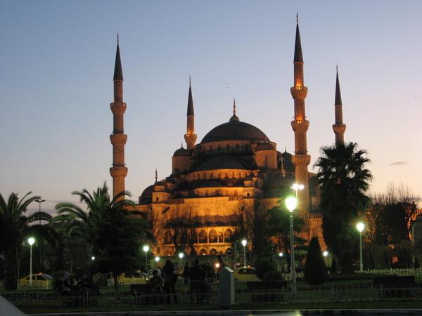 Вечерняя Голубая мечеть...