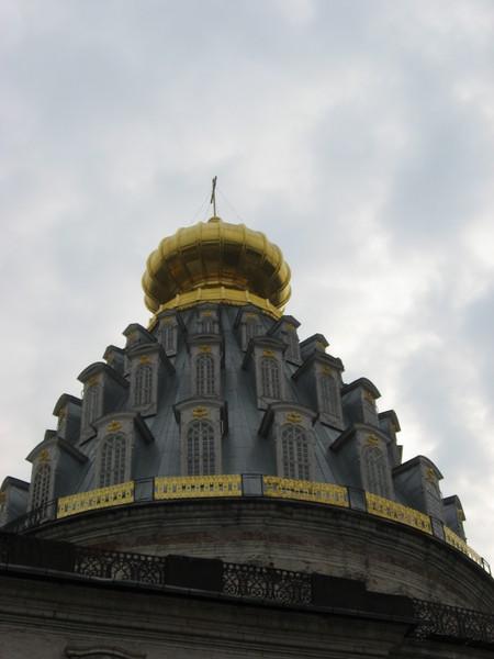 После войны главный храм с шатром, спроектированным Растрелли, был восстановлен