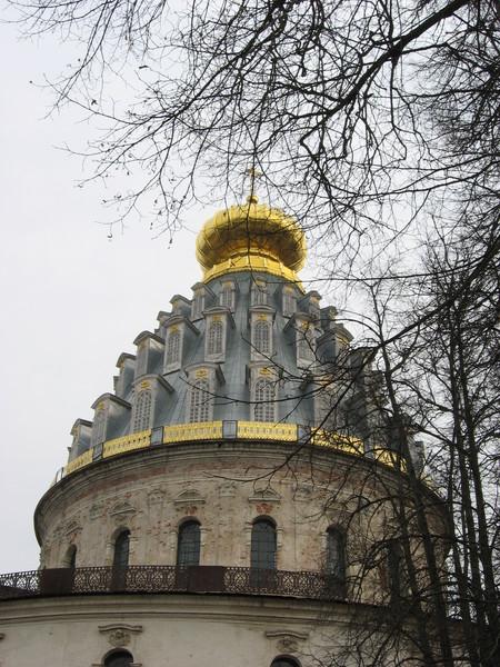 Впрочем, похоже, что с тех пор храмом больше и не занимались...
