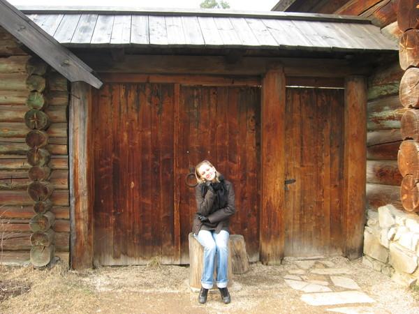 В прилегающем парке («Гефсиманском саду») находится «Музей деревянного зодчества»