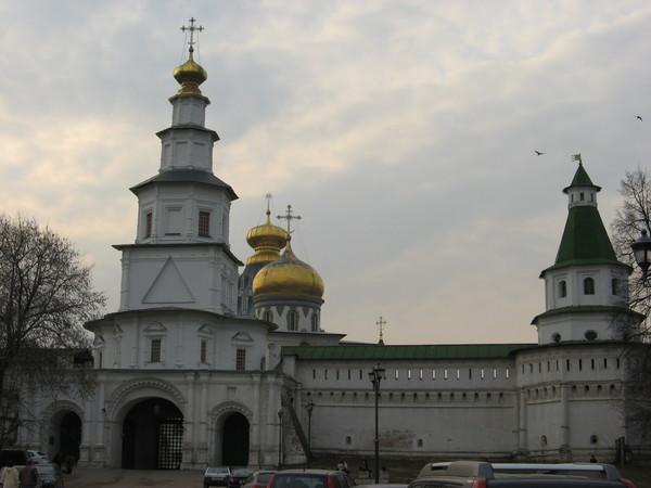 Новоиерусалимский монастырь был основан патриархом Никоном в 1656 году как подмосковная резиденция.