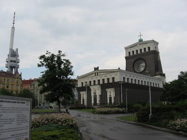 Жижков. Церковь Наисветейшего сердца Господня