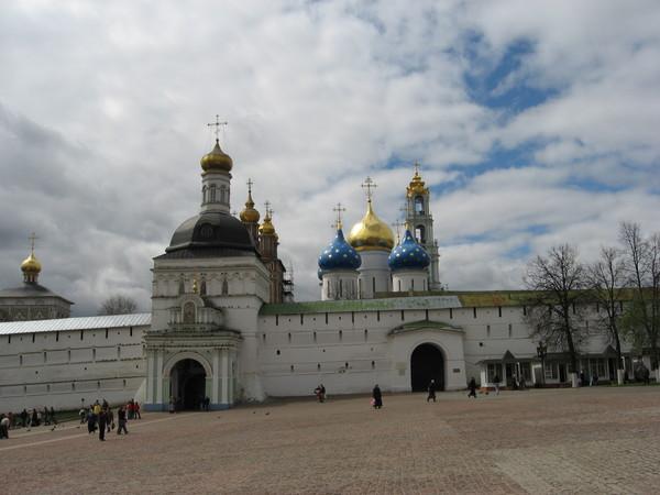 Собственно вид на Свято-Троицкую Сергиеву Лавру