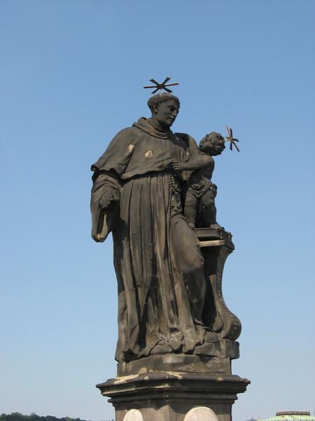 Святого Антония Падуанского обнимает сам младенец Иисус