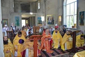 Первая Божественная Литургия в храме Святого Равноапостольного великого князя Владимира с. Редиул де Жос