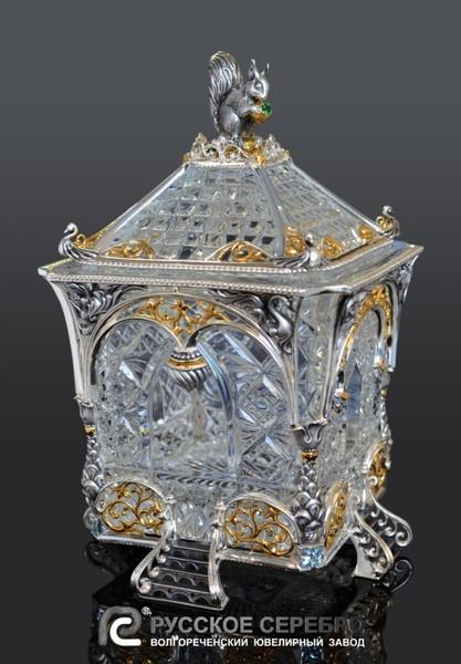 1b290c618a2a Поражает красота и необычность дизайнерских решений, примененных  художниками-ювелирами при создании сказочных коллекций столовой утвари.