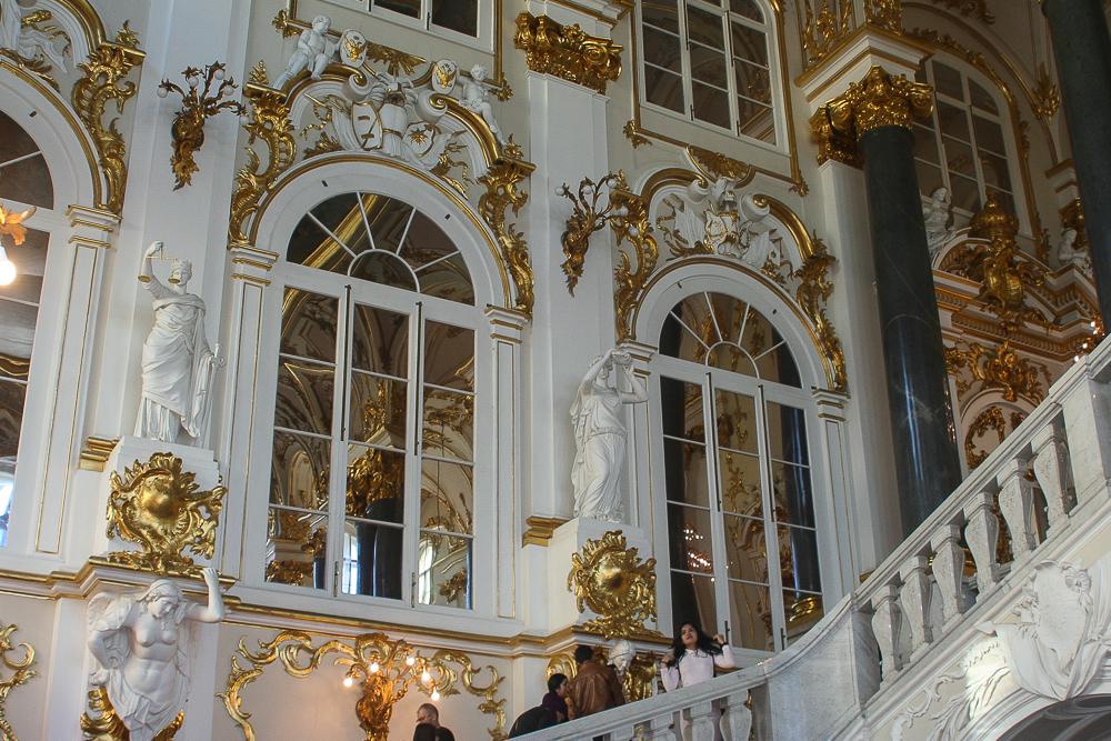 факела парадная лестница зимнего дворца фото убежище