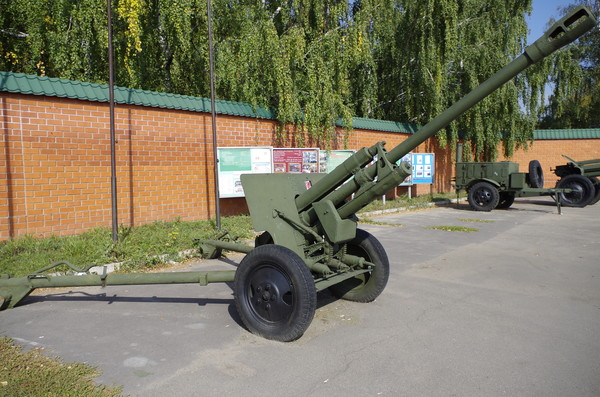 76-мм дивизионная противотанковая пушка ЗИС-3