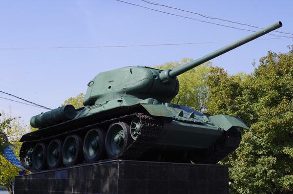 Танк Т-34-85 в Измайловском парке