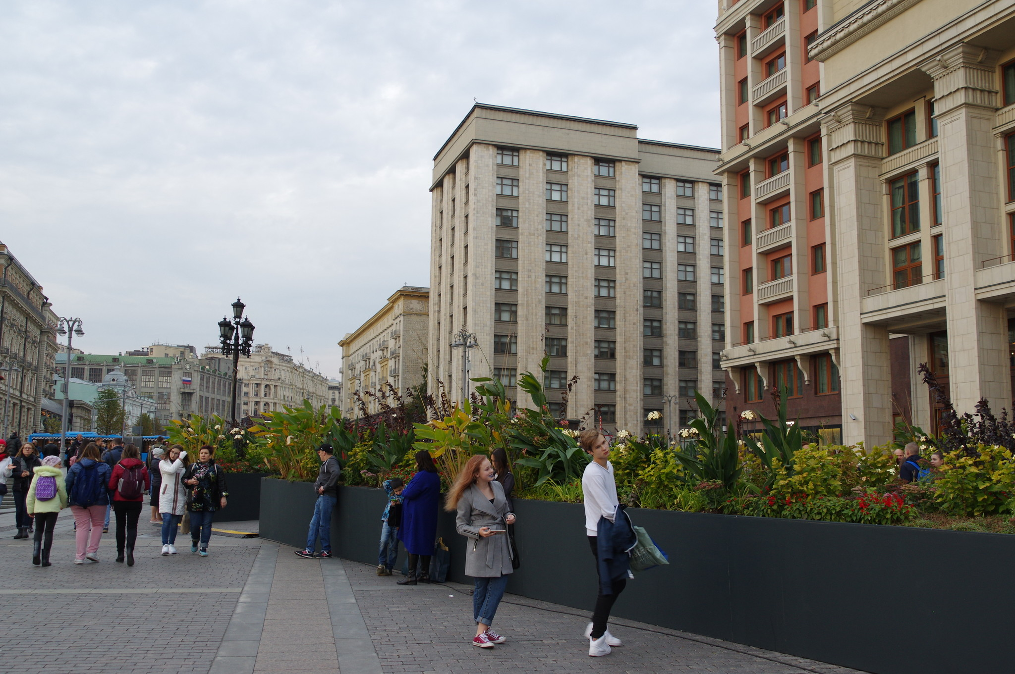 У гостиницы «Москва»