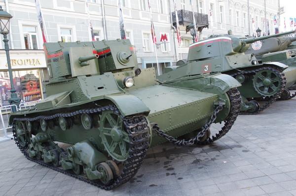 Т-26 с клёпаным корпусом и башнями с пулемётно-пушечным вооружением