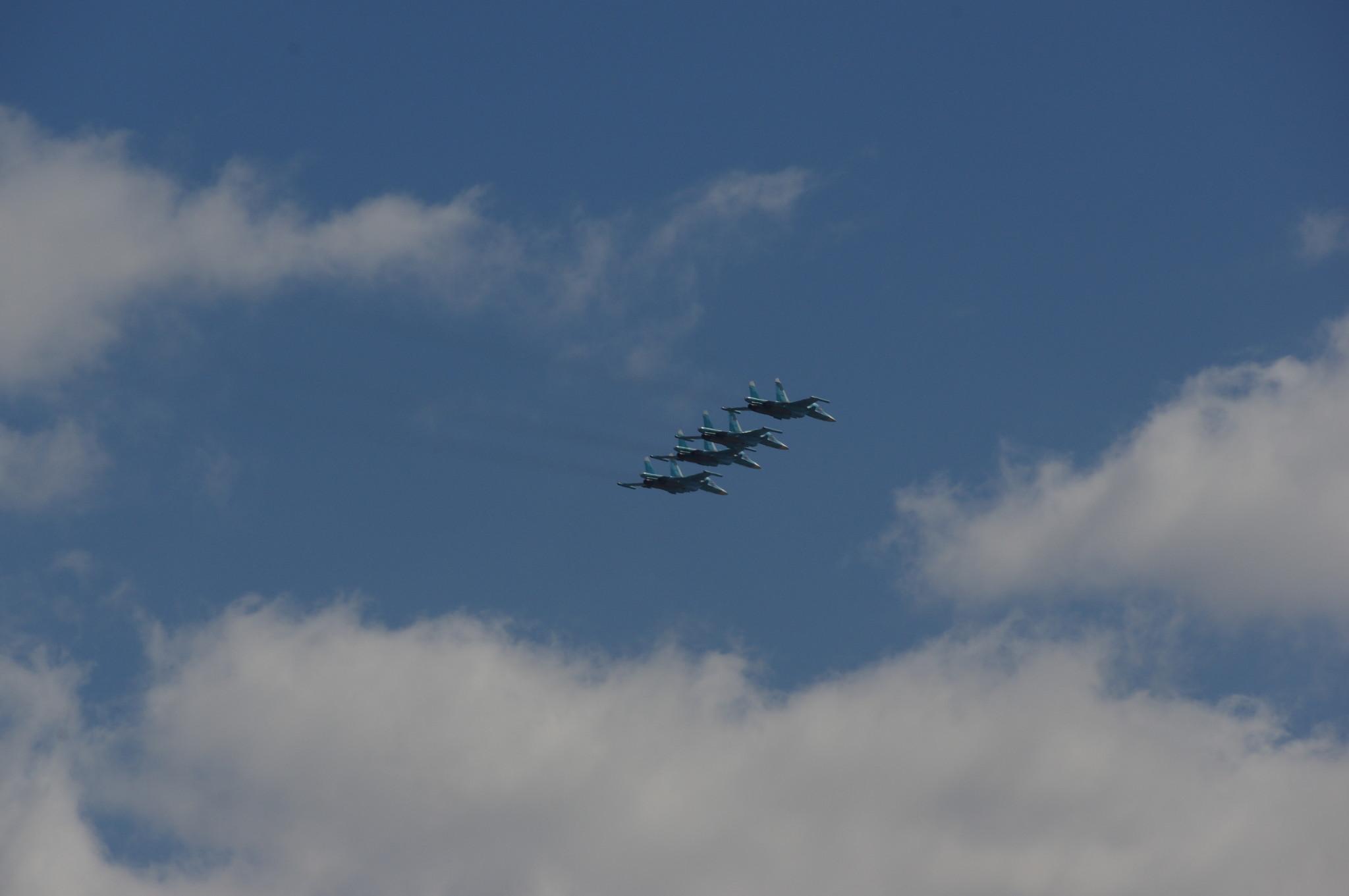 Воздушная часть парада Победы. Истребители-бомбардировщики Су-34