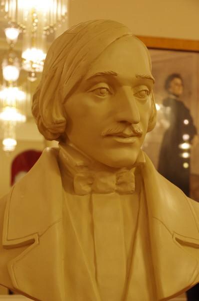 Бюст Н.В. Гоголя в филиале Малого театра на Большой Ордынке