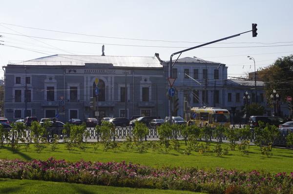 Московский театр «Школа современной пьесы» — драматический театр, созданный в 1989 году, расположенный по адресу: ул. Неглинная, дом 29/14