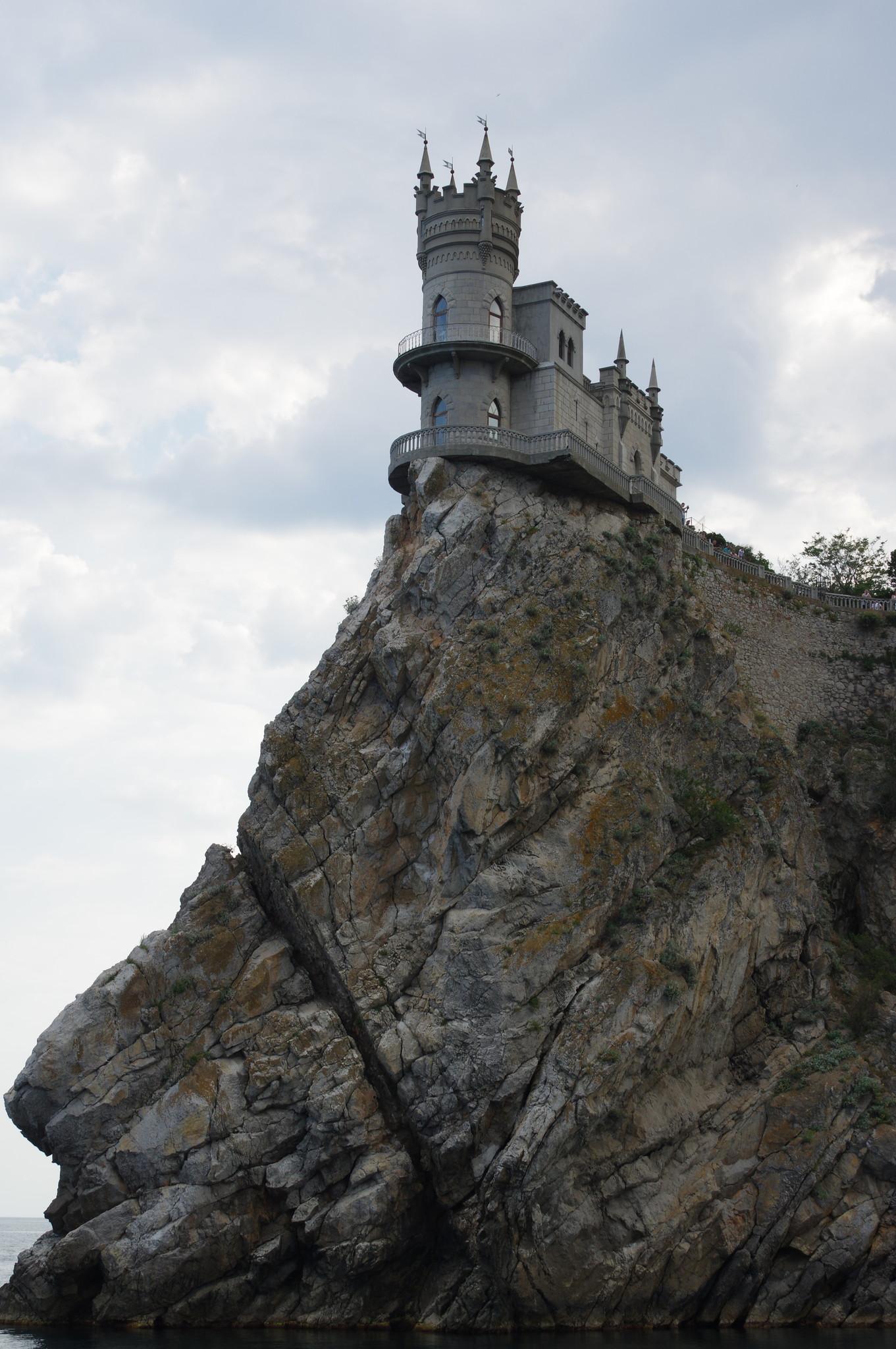 Замок «Ласточкино гнездо» стал эмблемой Южного берега Крыма