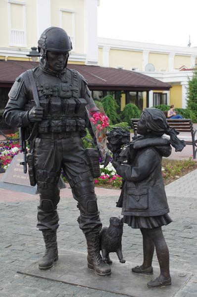 Памятник «вежливым людям» в Симферополе