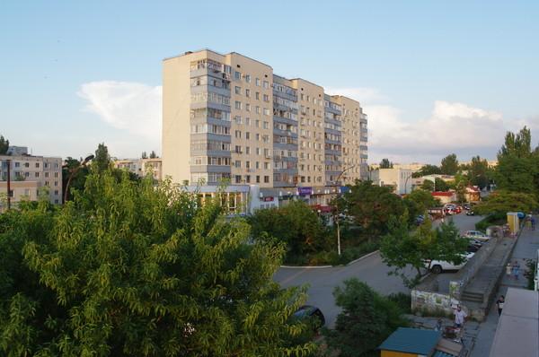 Щёлкино — город в Ленинском районе Крыма