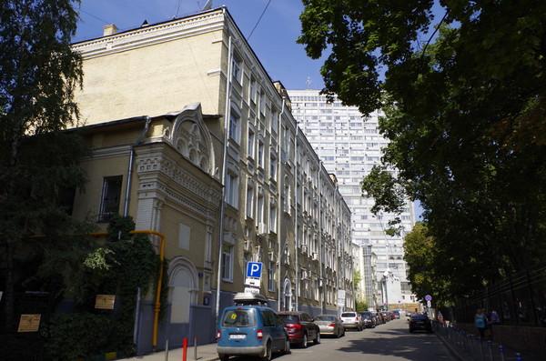 Дом церкви Николая Чудотворца Явленного (улица Арбат, дом 18/1, строение 2)