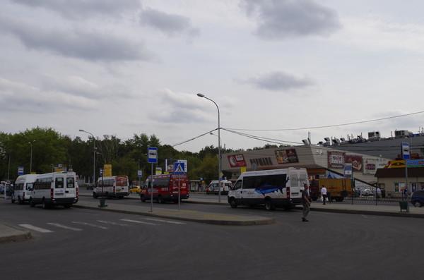 Площадь Ганецкого. Москва. Дом 1. Здание кинотеатра «Варшава»
