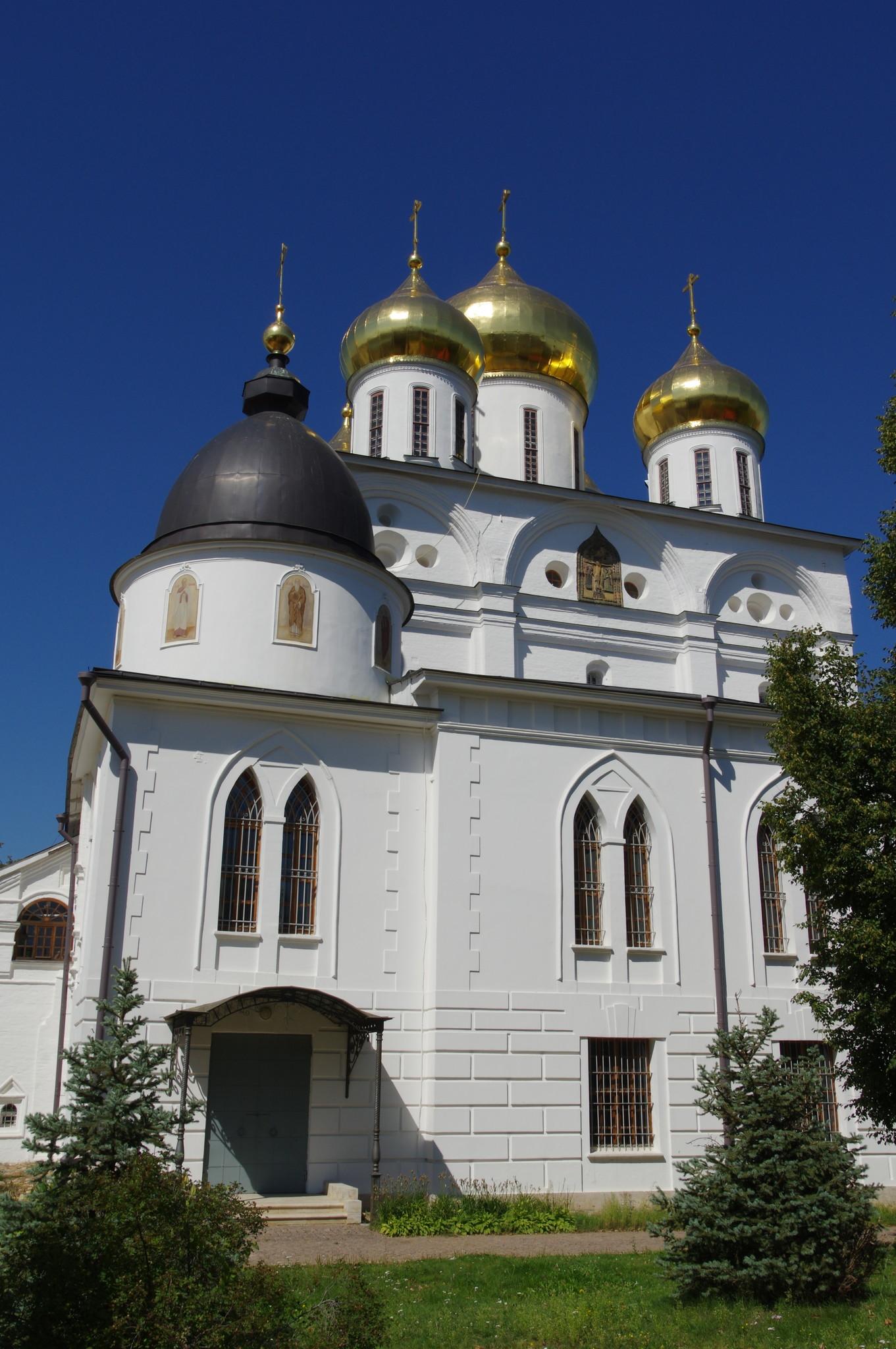 Собор Успения Пресвятой Богородицы Дмитровского благочиния Московской епархии