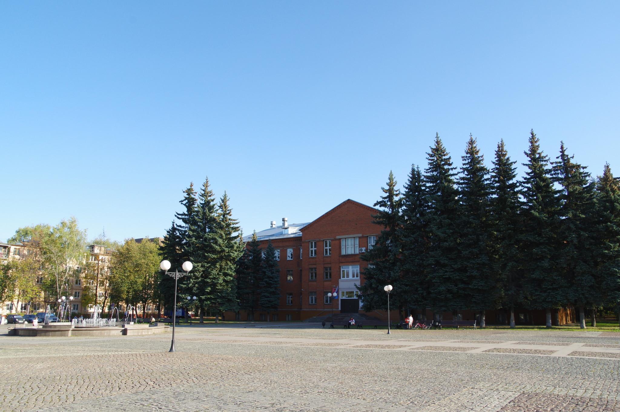 Долгопрудненский авиационный техникум (площадь Собина, дом 1, г. Долгопрудный, Московская область)