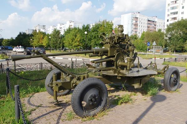 37-мм автоматическая зенитная пушка образца 1939 года (61-К) (Московская область, город Краснознаменск. «Аллея Славы»)