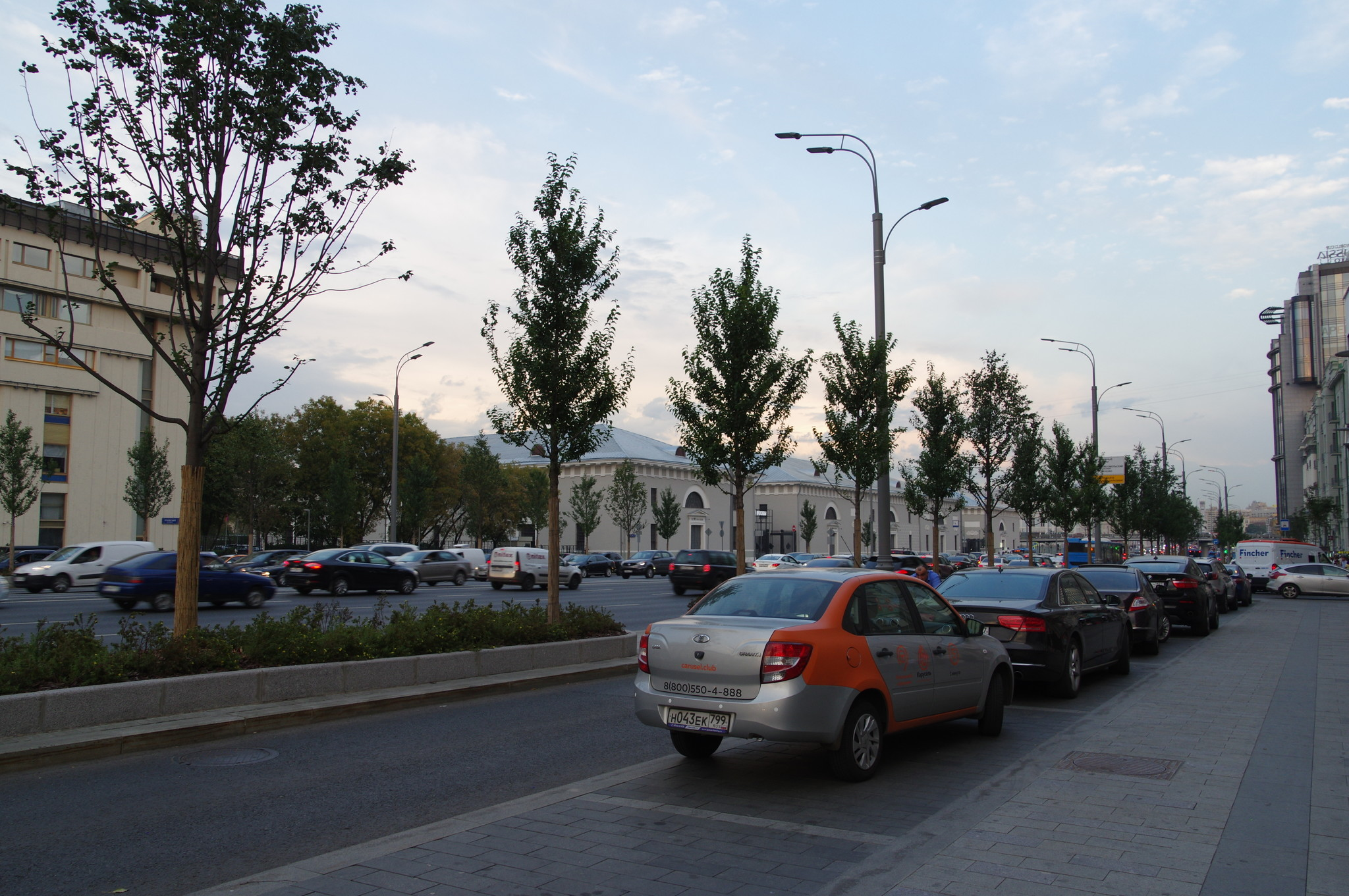 Автомобиль LADA Granta «Московского каршеринга»