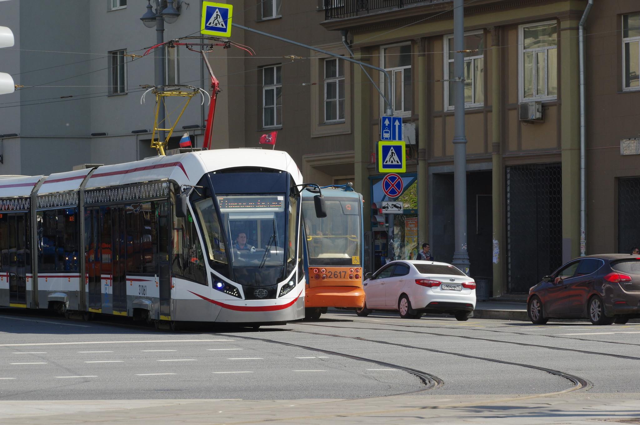 Трамвай 71-931М «Витязь-М», № 31061. Площадь Тверская Застава
