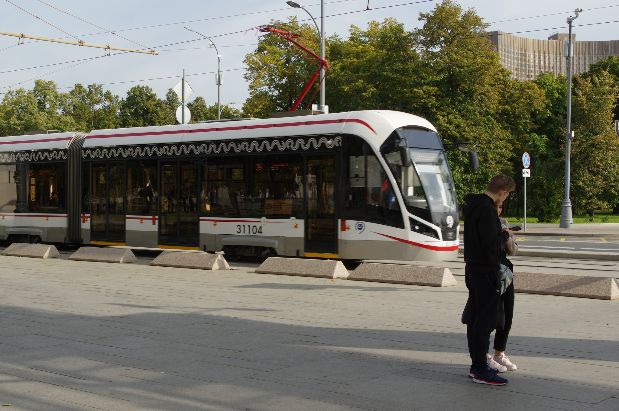 Трамвай 71-931М «Витязь-М» № 31104 на Продольном проезде