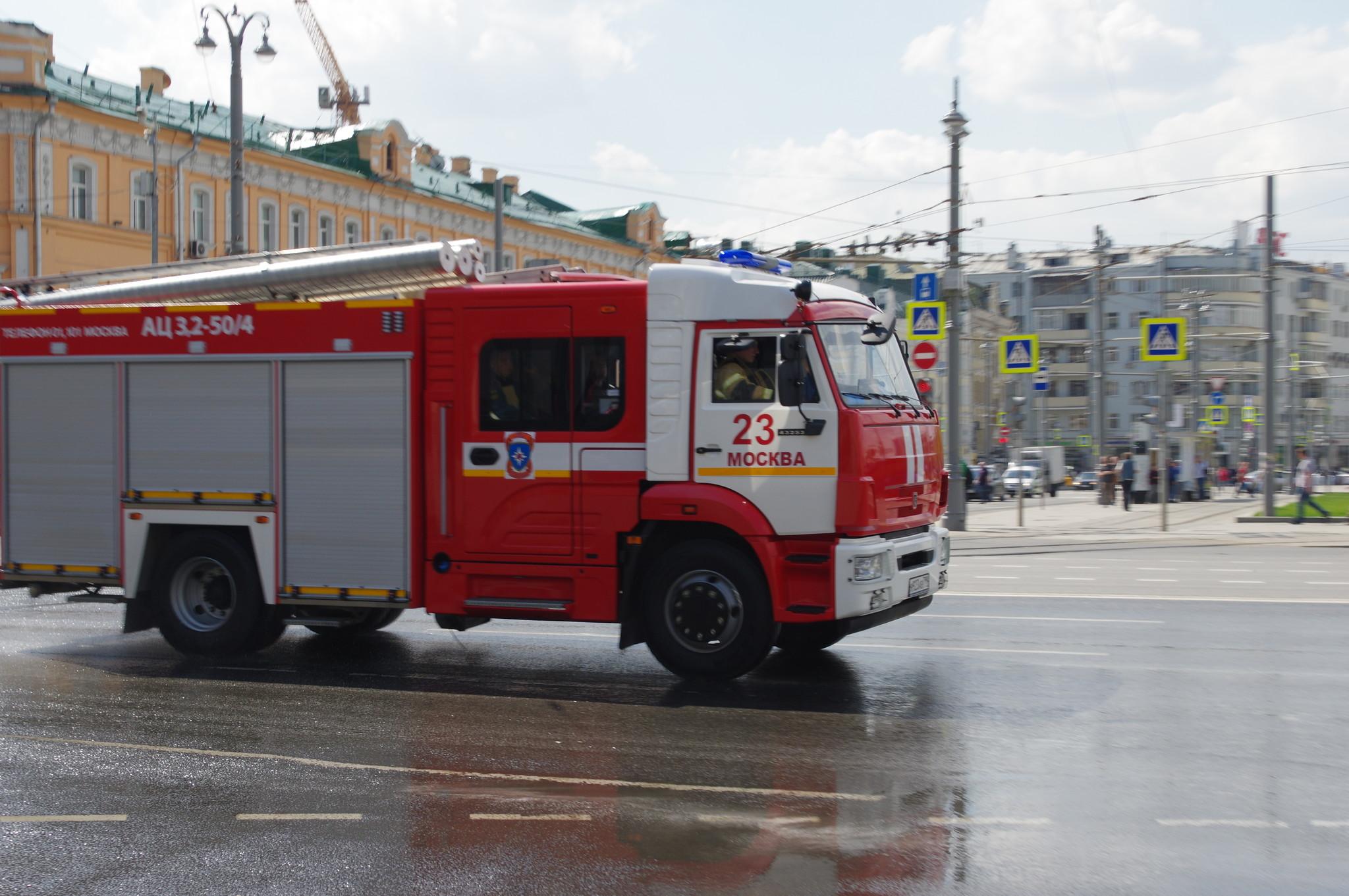 Пожарная автоцистерна АЦ-3,2-50/4 на шасси КАМАЗа