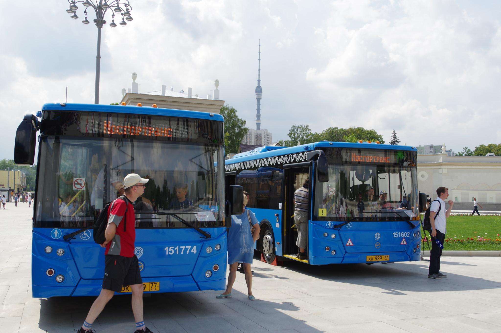 Автобусы ЛиАЗ-5292 и ЛиАЗ-6213