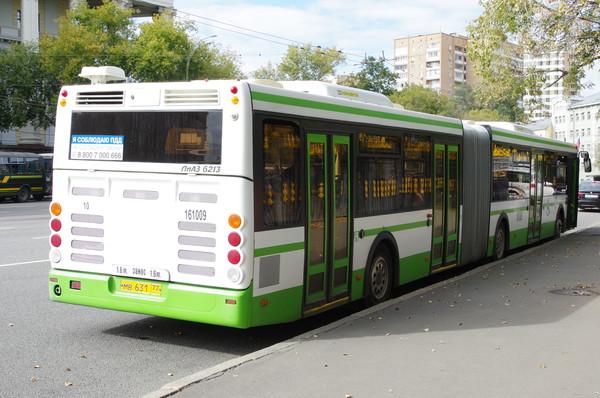 Автобус ЛиАЗ 6213 на улице Советской Армии