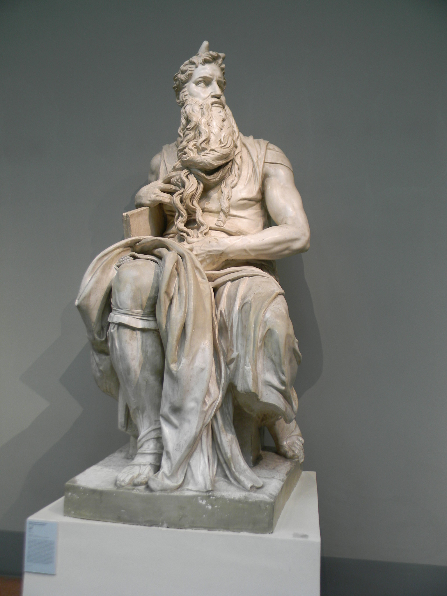 «Моисей». Микеланджело Буонарроти. Слепок. Подлинник - мрамор. Церковь Сан Пьетро ин Винколи, Рим, Италия