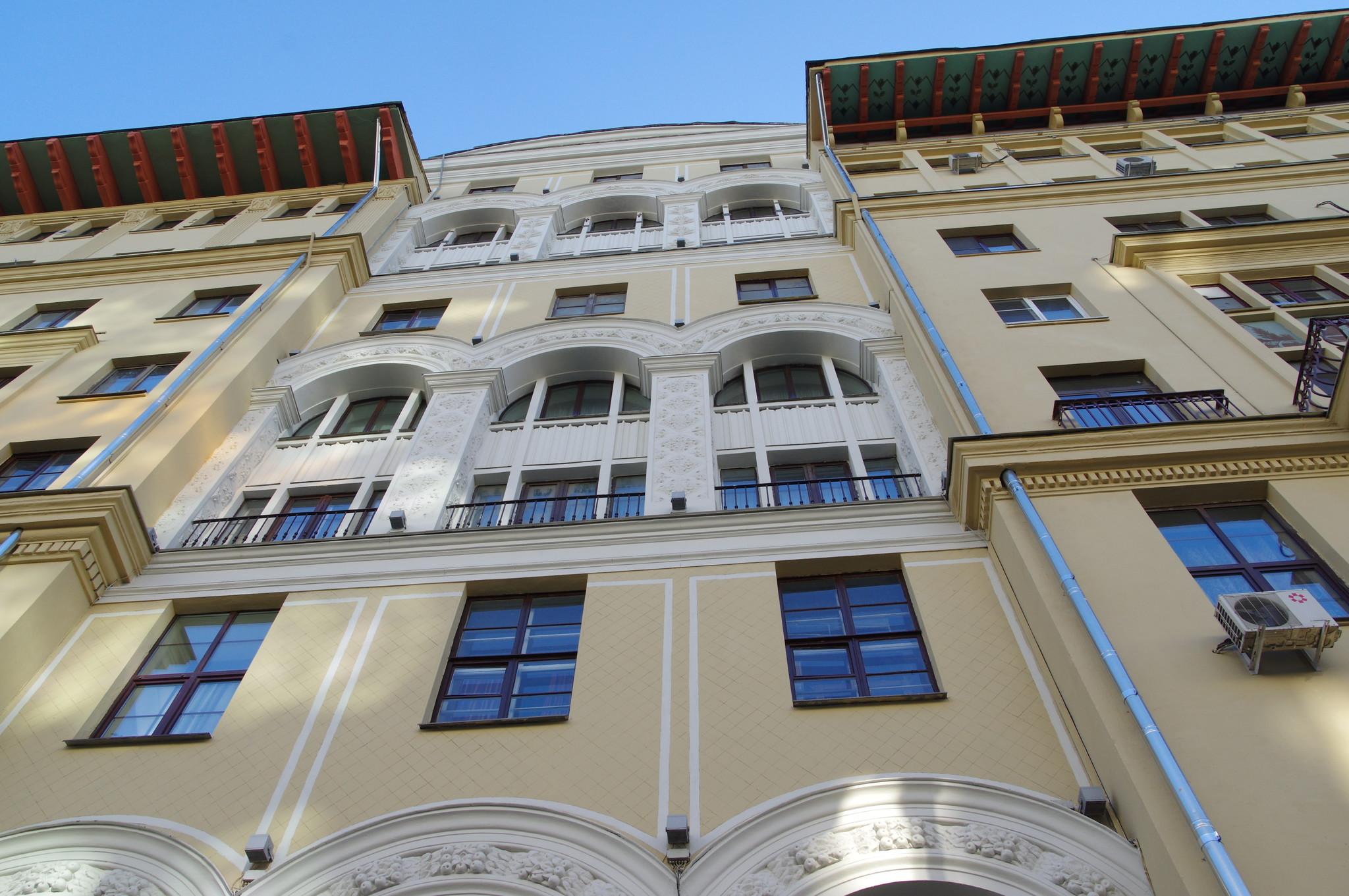 Дом в Москве, где с 1950 года по 1964 год жил Народный артист СССР Александр Шамильевич Мелик-Пашаев (Тверская улица, дом 25/9)