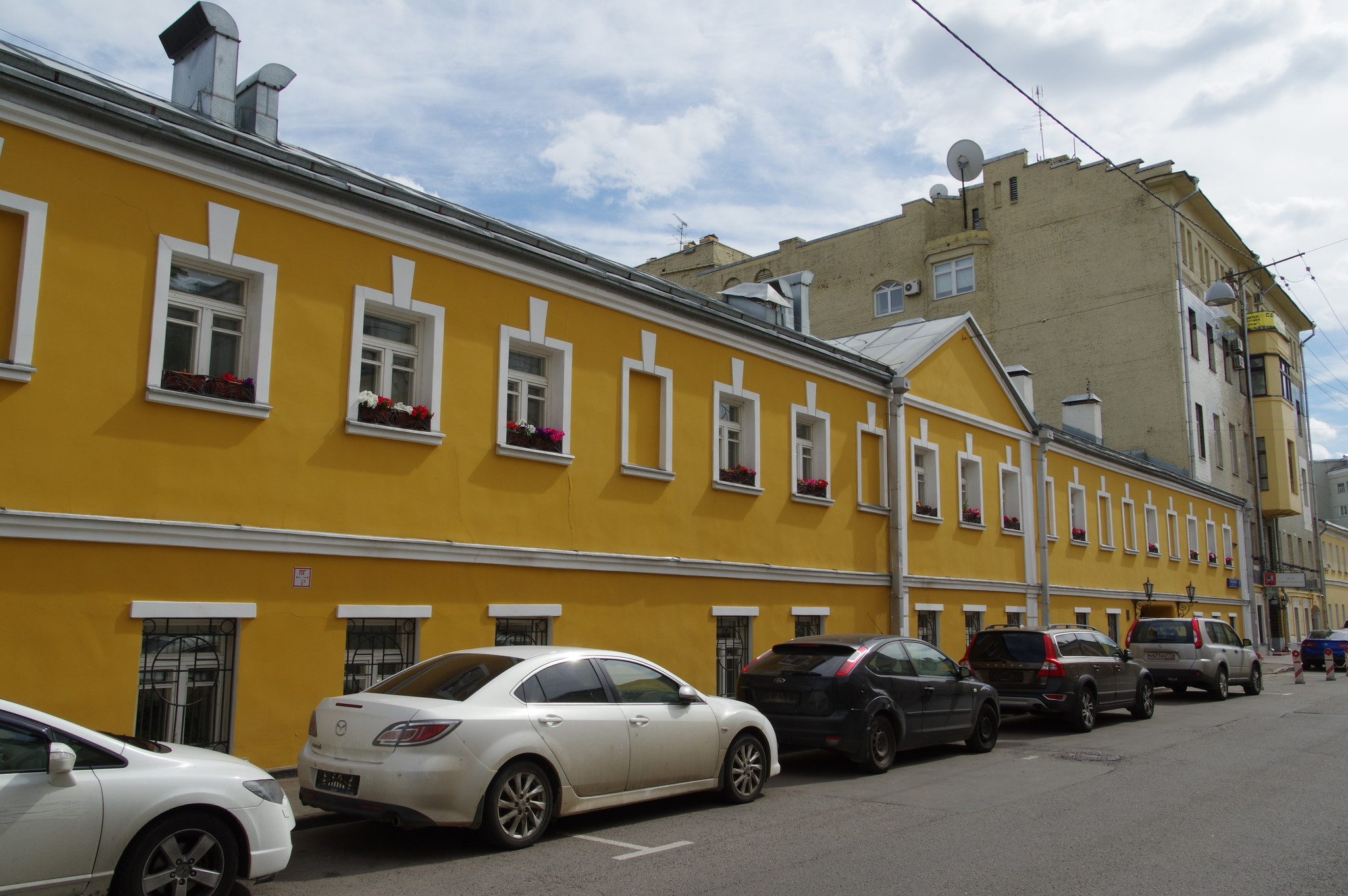 Большой Знаменский переулок