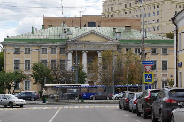 Здание Шефского дома (Комсомольский проспект, 13)