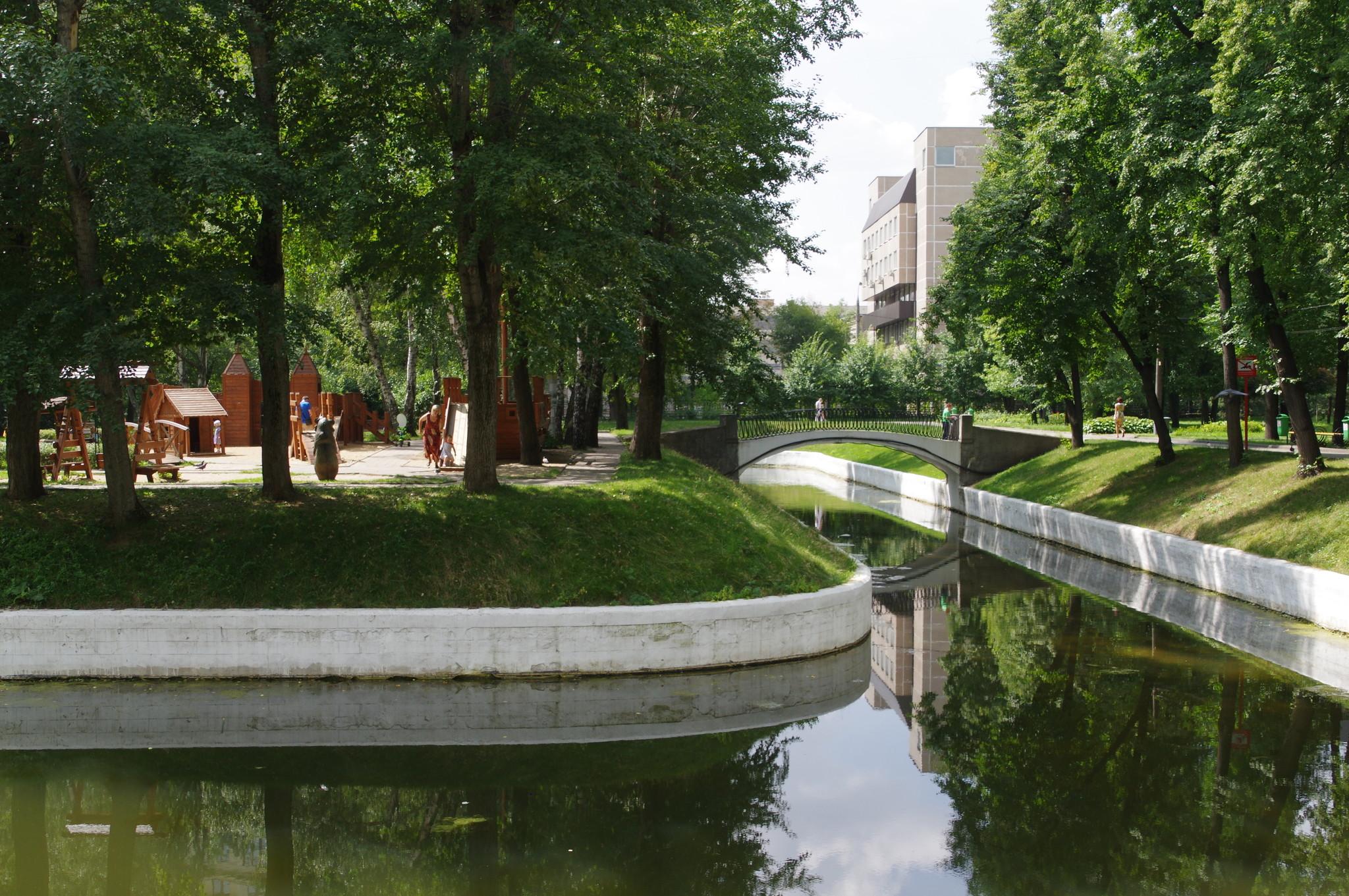 Парк «Усадьба Трубецких» (улица Усачева, дом 1)