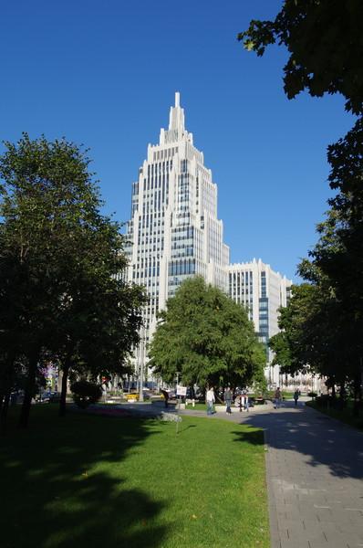 Садово-Триумфальный сквер