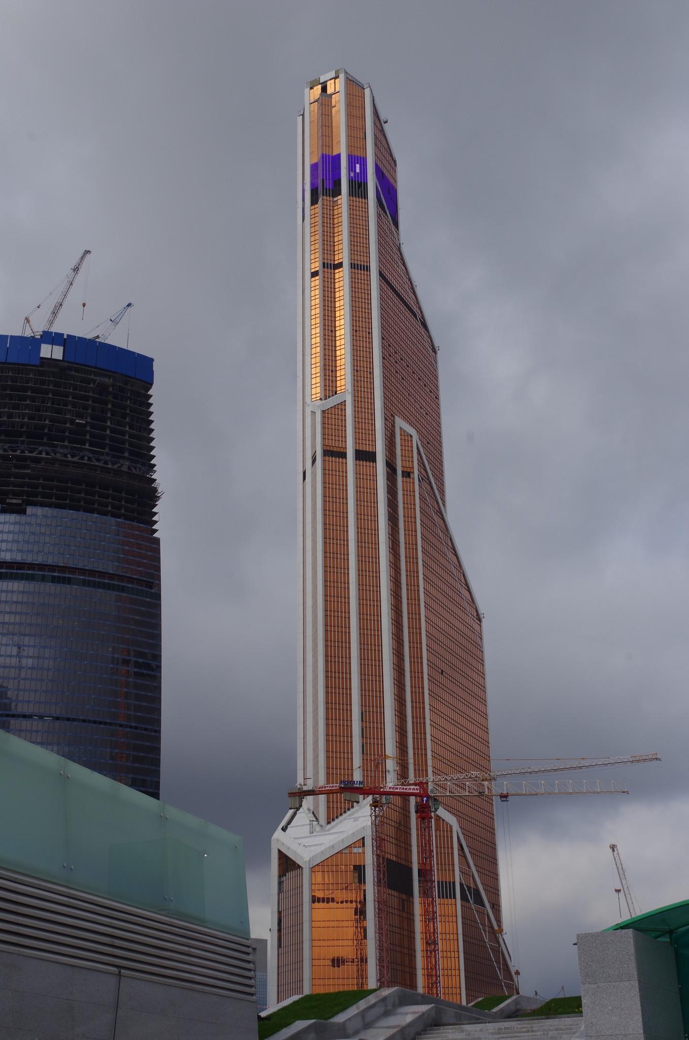 Башня Меркурий Сити Тауэр в районе Москва-Сити