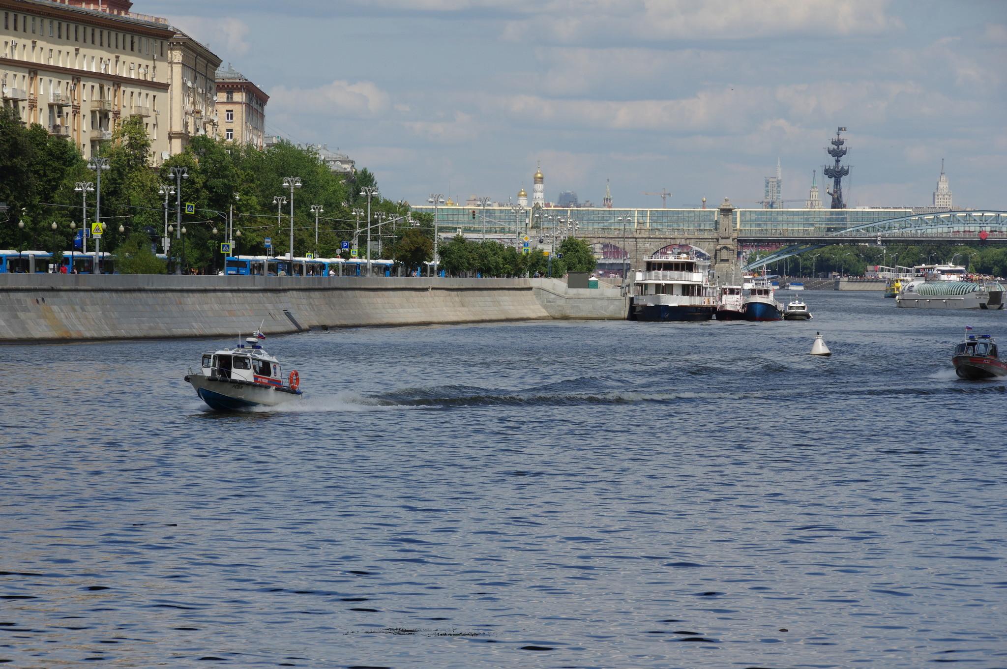 Московские спасатели на водных объектах
